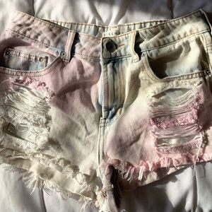 Pink Bullhead distressed shorts